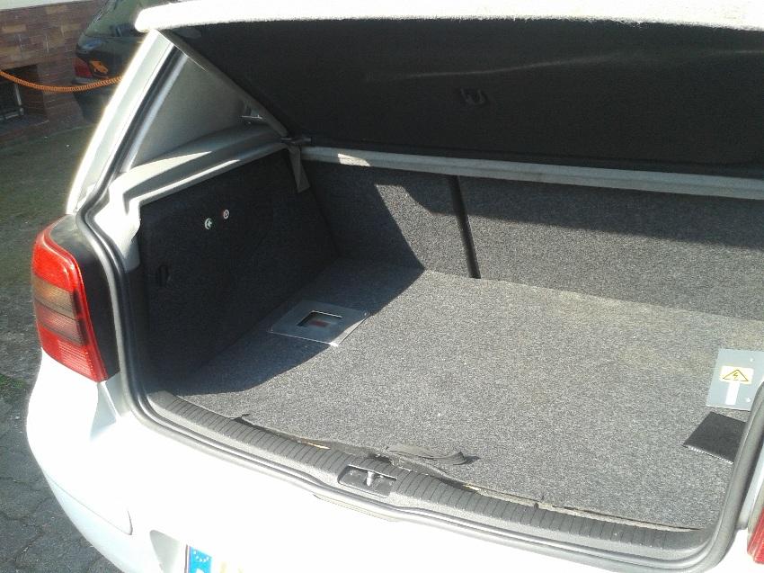 elektroauto tanken zu hause elektroauto zu hause laden. Black Bedroom Furniture Sets. Home Design Ideas